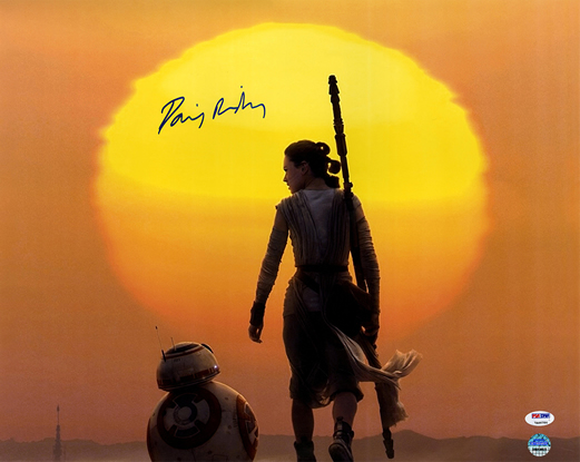 DAISY RIDLEY SIGNED REY WITH BB-8 UNDER MOON 16X20 PHOTO